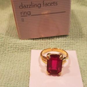 NIB Vintage Avon Dazzling Facets Ring (Size 8)